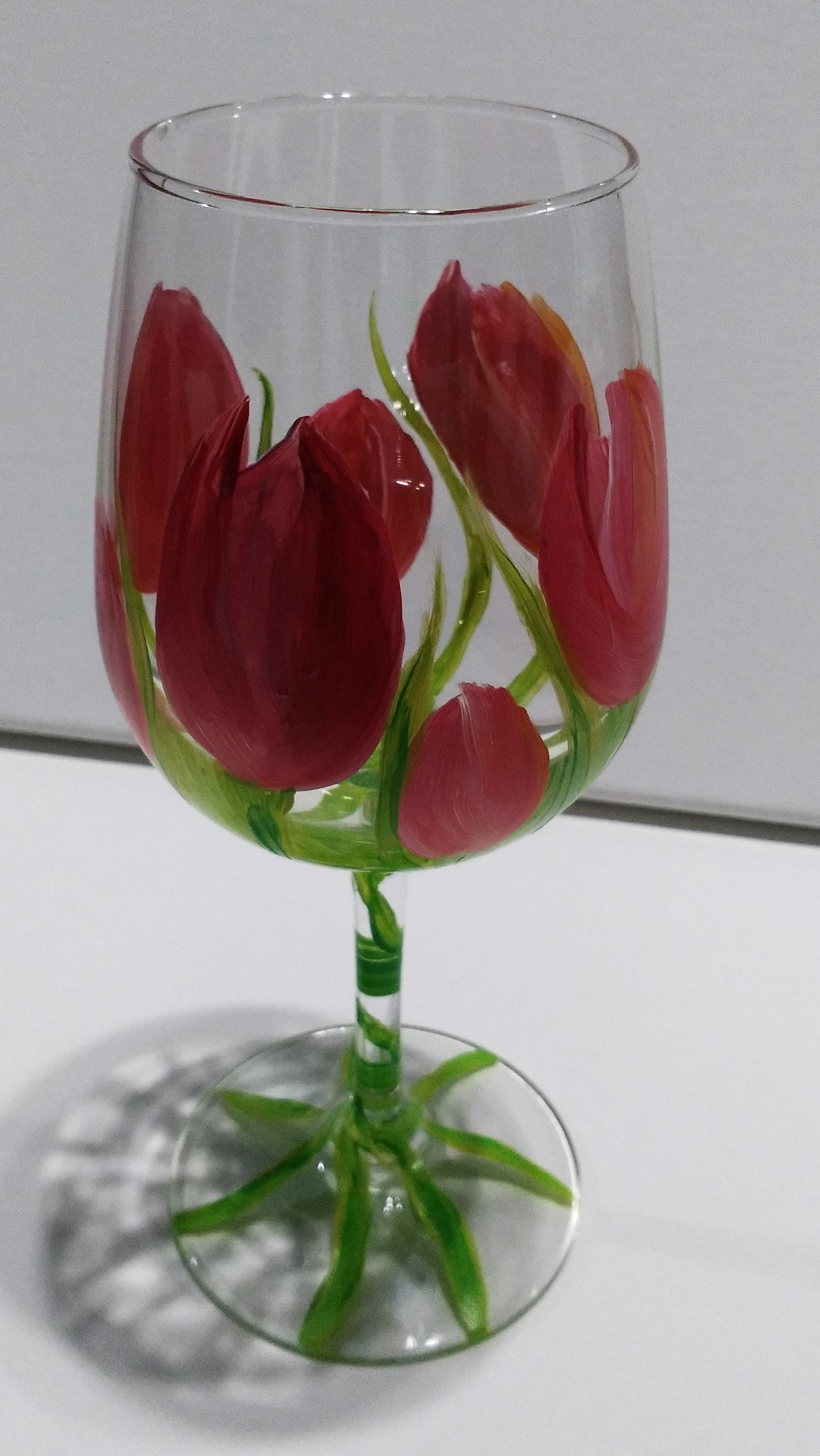 spring-tulip-wine-glass-painting-malowany