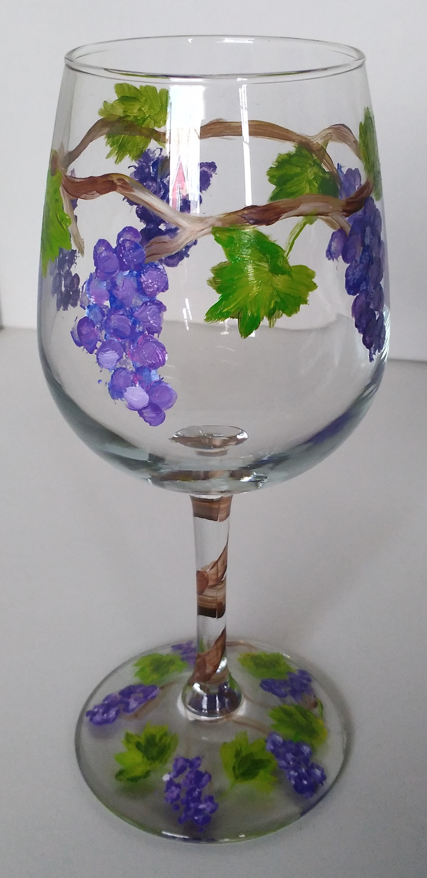 grape-vines-wine-glass-painting-malowany