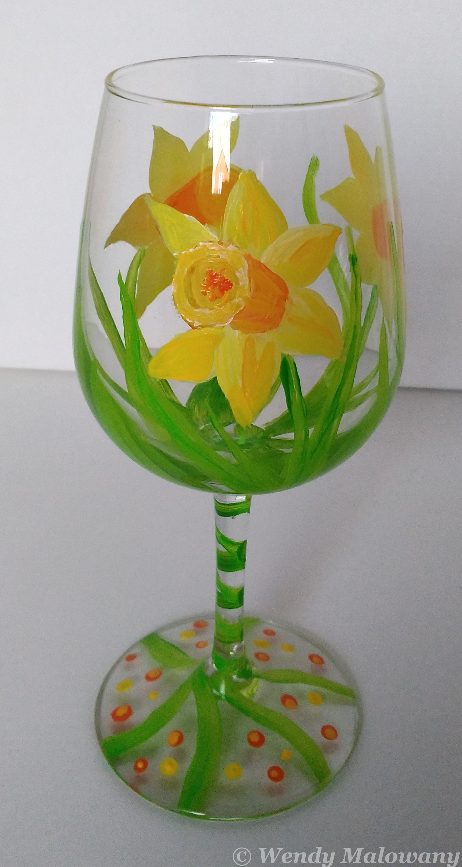 daffodil-wine-glass-painting-malowany